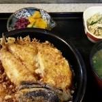 天里 - ランチ天丼 小鉢や香の物に細かい心づかい 2015.5