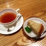 くにたち桜花 - 紅茶とシフォンケーキ