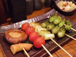 神鶏 荻窪店 - 野菜5串盛り(しいたけ、トマト、ネギ、オクラ、ししとう)