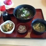 ジョイフル - 料理写真:マグロすき身 山かけ丼