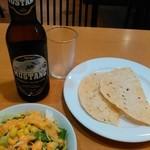 37798101 - ムスタンビールとパパド、580円