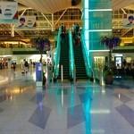 プラネタリウム スターリー カフェ - アクセス写真②(空港国際線ターミナル中央エスカレーターで4Fに上がる)