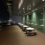 プラネタリウム スターリー カフェ - 空港国際線ターミナルビル5Fエントランス外のテラス席