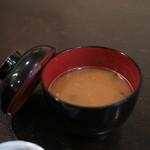 すゞ家 - 味噌汁