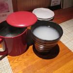 松吟庵 - 焼酎をそば湯で呑むという珍しい飲み方(蕎麦焼酎・十割)