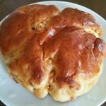 foyer boulanger - 料理写真:キャラメルノア クラムがふわふわ♪キャラメルもいい甘さで胡桃も結構入ってる!