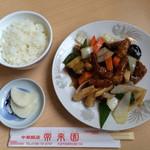 常来園 - 酢豚定食+焼き餃子付き         ¥850(税込)