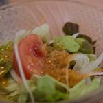 キッチン カトウ - ランチに付くサラダ