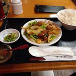 天天香 - 日替り2 鶏肉の四川風ソース炒め850円