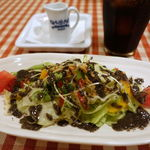 37816456 - 黒ゴマぷりたつでちょっとかわったドレッシングが美味しいダーサラ