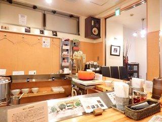 瀬佐味亭 虎ノ門店 - 店内のカウンター席の風景です