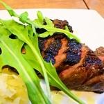 ヴァベーネ - 赤肉ランプの炭火焼きステーキ