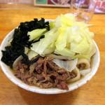 37824140 - 肉わかめ620円 キャベツW50円