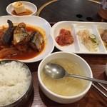 炭焼焼肉 大長今 - 秋刀魚煮定食ランチ