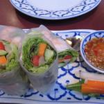 サラリムナム - 生春巻きってどっちかというとベトナム料理(笑)?                             でも、タイ料理屋に来ると、どうしても食べたくなります。