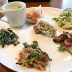 てまりぼく - 前菜6種と、グリンピースのポタージュ