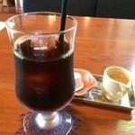 てまりぼく - アイスコーヒー、蜂蜜入りシロップ