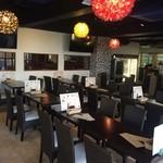 Rooftop Grill&Bar KAIMANA - 開放感のある店内