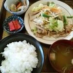 吉野 - 肉野菜炒め定食