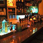 エラドゥーラ - 旧堂山店(カウンターで落ち着いて、 お酒だけも楽しんで頂けます。)
