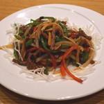 37831388 - 牛肉とピーマンの細切り炒め (2015/04)