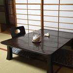 石ばし - お座敷のテーブル席 (2015/04)