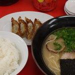 めん遊 - 餃子定食(昼)¥800税込