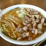 清吉そばや - 中華そば。肉多め。