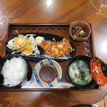 オリッサ - 日替わりランチ(和食、チキンカツ)