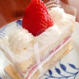 ショコラ・レシュヴァン - 苺のショートケーキ