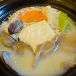 菜食 左ェ門 - あさりと豚の豆乳鍋