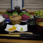 吉志久 市場店 - 春カツオと生マグロの刺身定食~☆
