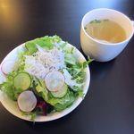 ブラッスリー ブルー - サラダ、スープ(2015/05/11撮影)