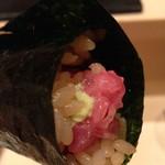 鮨 とかみ - 鮪の突先手巻き寿司!