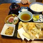 37860043 - ランチの刺身天ぷら定食980円