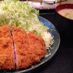 にし邑 - 絶品です!                             和光と比較できないクオリティでした!肉の色とキャベツの量! これで1100円