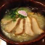 旭川らーめん だいせつ洞 - 塩豚トロチャーシュー麺 936円