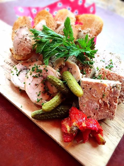 ガルプダウンカフェ - お肉の前菜盛合せ