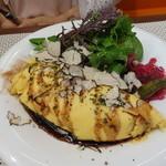ビストロ ダイア - こちらの前菜は、2色のアスパラのオムレツとトリュフサラダ