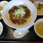 つね川 - マーボー麺セット