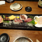 うみ道楽 - 旬の鮮魚5点盛りです。