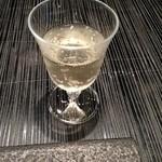 星のや 京都 ダイニング - まずはノンアルコールのスパークリングで乾杯