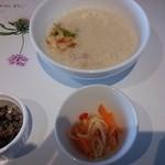 37893950 - スープと前菜
