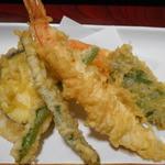 活魚村 海彦 - 玄海丼セットの天ぷらアップ
