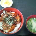 市場食堂 鶴の港 - 鰹かばやき丼