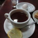 コーヒー専門店 ライオン - ゆで卵とレモンティー