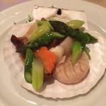 中国料理 彩桜 - 料理写真:生ホタテ貝と野菜の塩味炒め