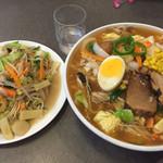 上海軒 - 五目焼きそばと北京鳥麺