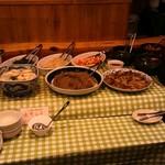 味庵 - いつものお惣菜、手作りキムチ、チヂミ、各種ナムル、新鮮サラダもご自由にお召し上がりいただけます!
