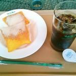 カフェデュモンド 新百合ヶ丘店 - ベニエ&アイスコーヒー